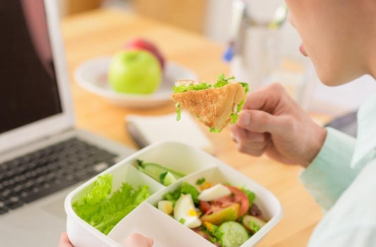 Czy zdrowe odżywanie w biurze jest możliwe?