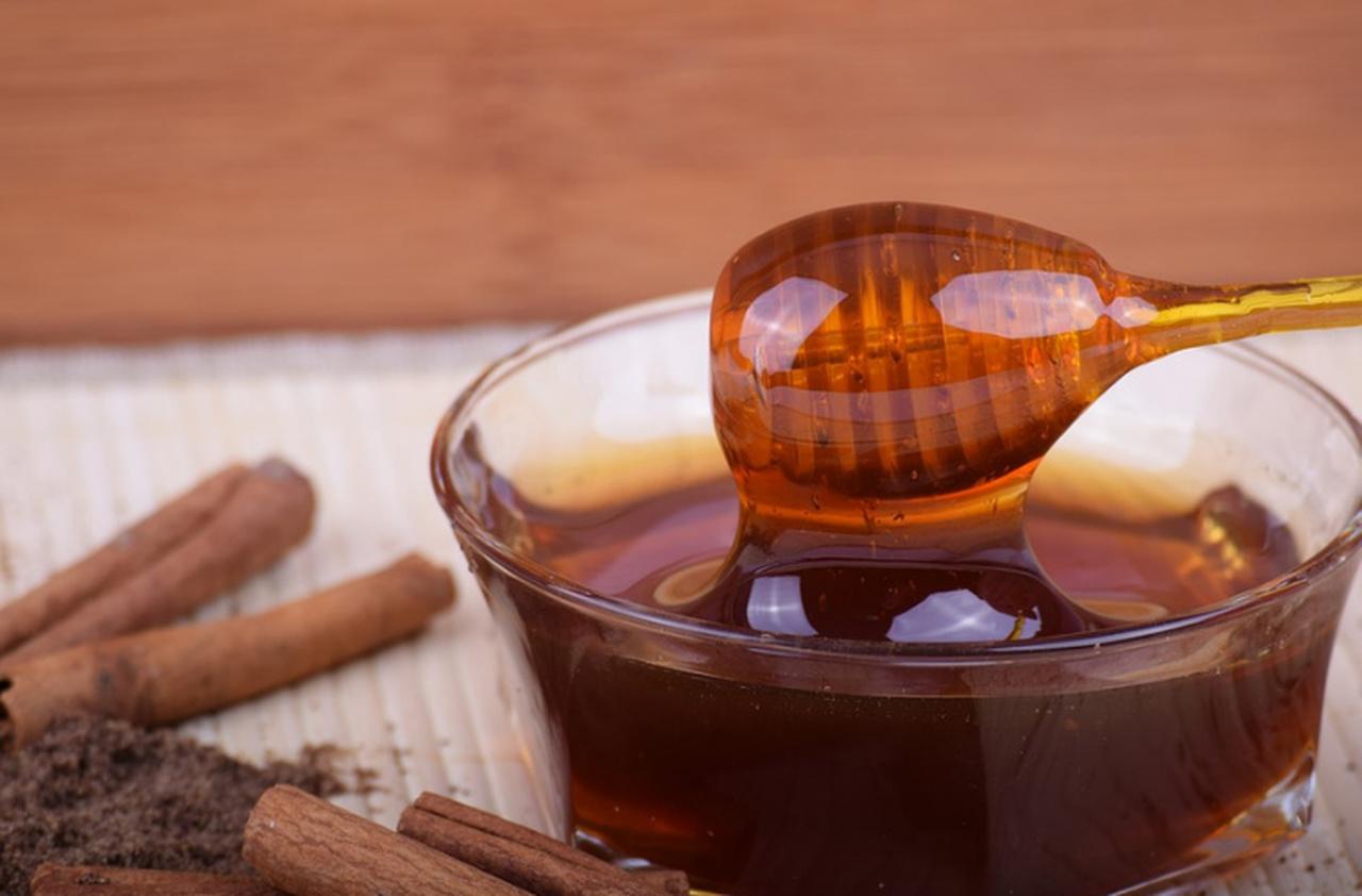 Używaj miodu zamiast cukru. Jaki miód wybrać?